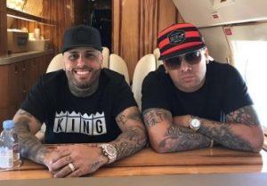 """Nicky Jam y Wisin graban vídeo musical de """"Si Tu La Ves"""" en las calles de Ecuador"""