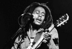 """No fumes marihuana, cómetela, propone la hija de Bob Marley"""""""